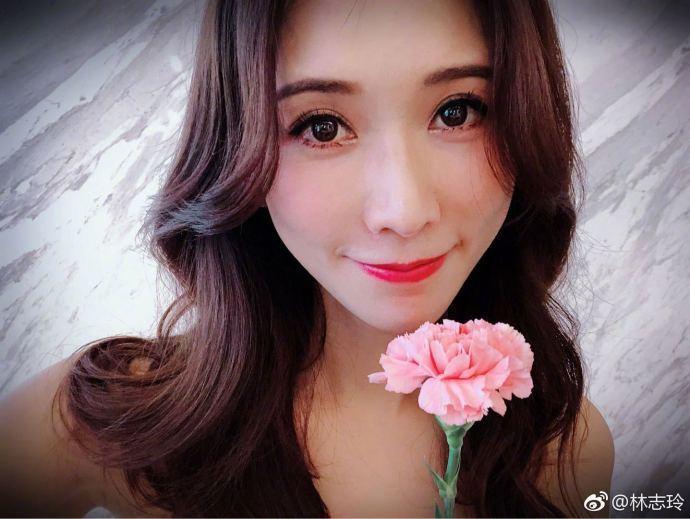 林志玲過母親節。圖/摘自微博
