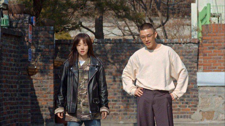 林秀晶和小6歲劉亞仁合作覺得「很幸福」。圖/東森提供