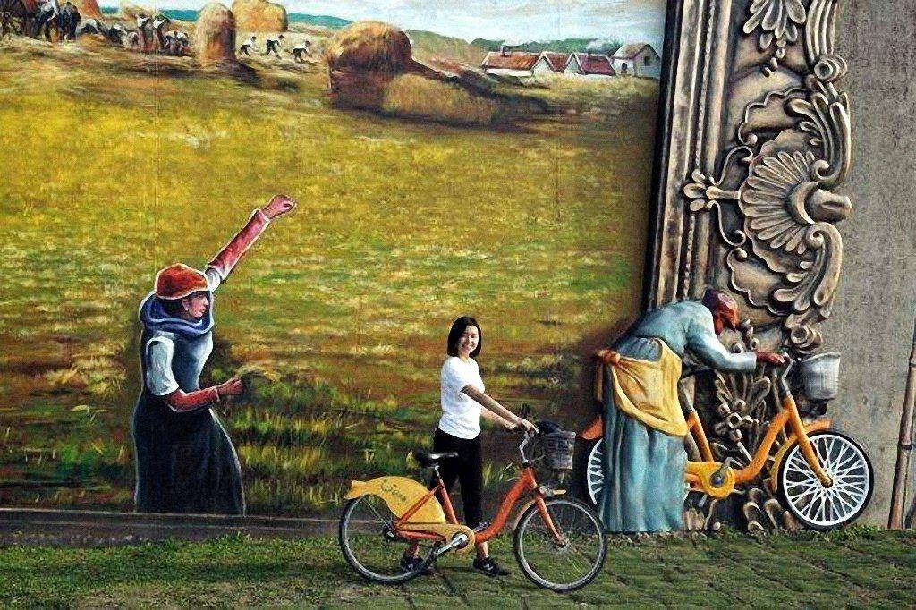 新北市高管處的河濱藝廊繼去年彩繪中國十大名畫後,上月在華江水門周邊結合平面彩繪結...