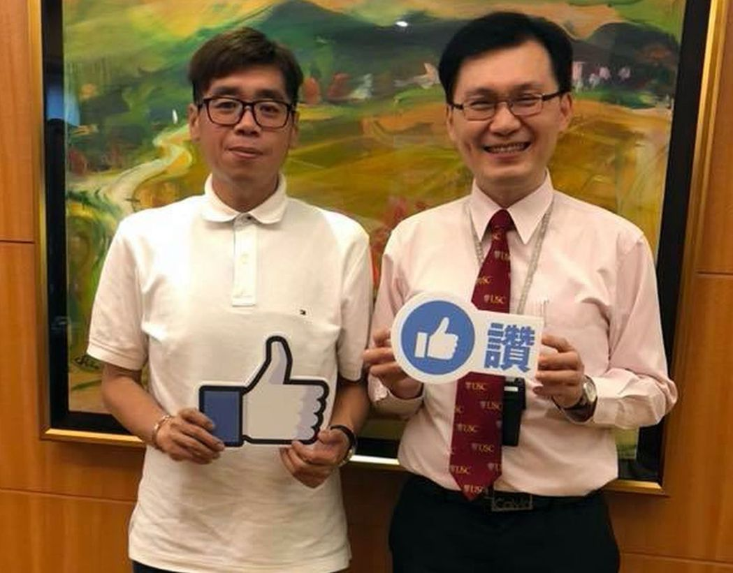 郭男因在機場「卡關」,急找醫師蔡明憲(右)幫他開診斷證明。 記者王昭月/翻攝