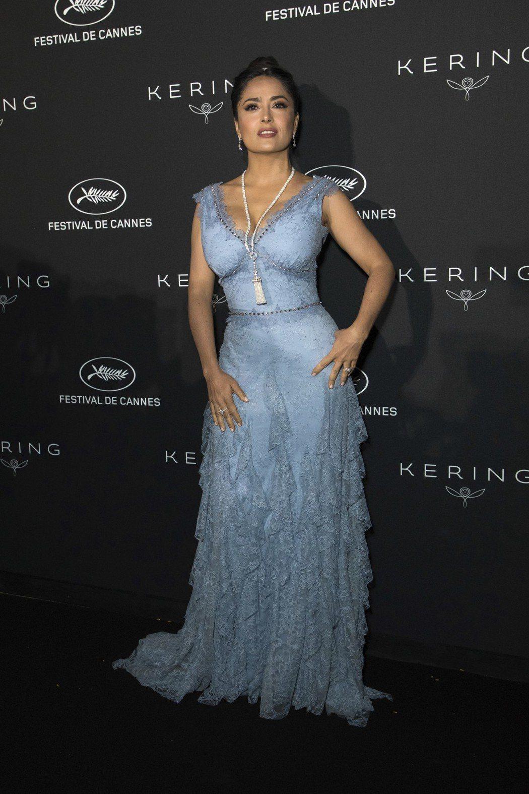 莎瑪海耶克在坎城影展上呼籲影業男女演員應同工同酬。 圖/美聯社
