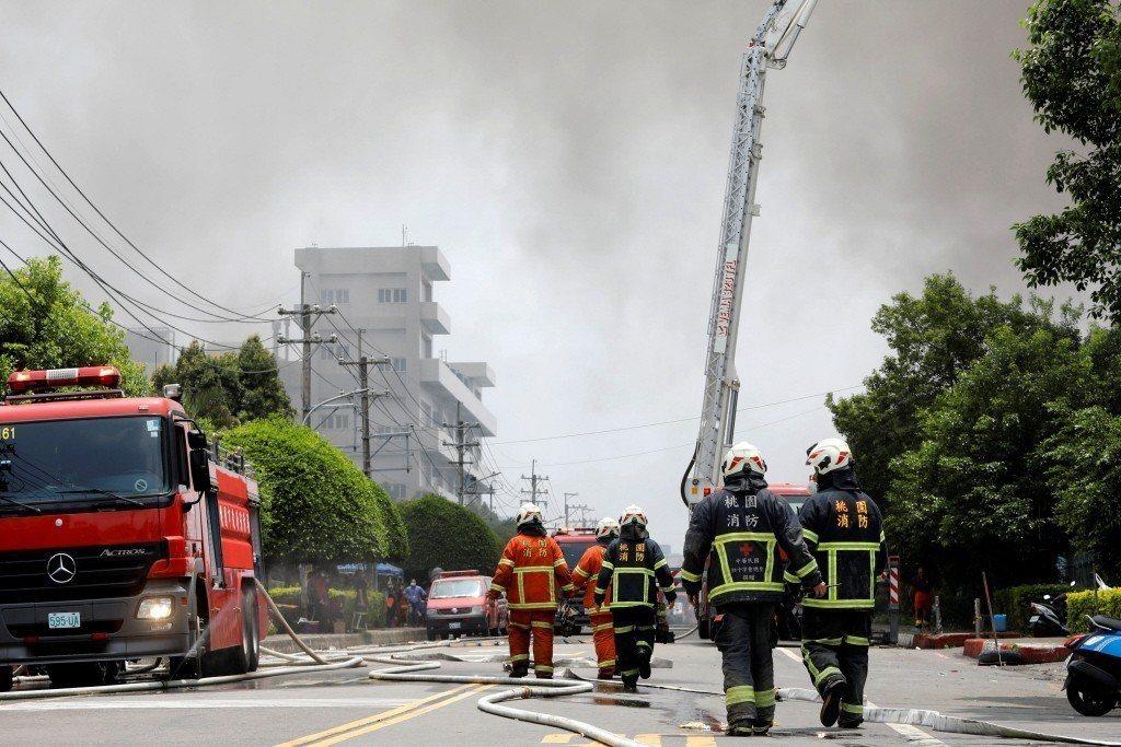 這些年來台灣的重大火災,幾乎都是初期滅火失敗,重要的是,這些火災,如果透過良好的教育訓練,是可以成功撲滅的。 圖/路透社