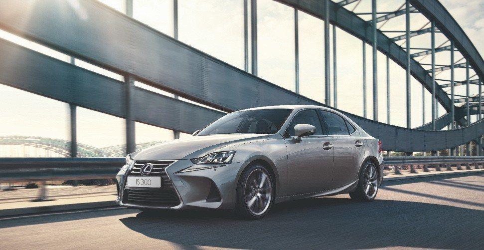 IS 300 領航勁化版 提供高達14萬元的優惠回饋,限量登場。 圖/和泰汽車提供