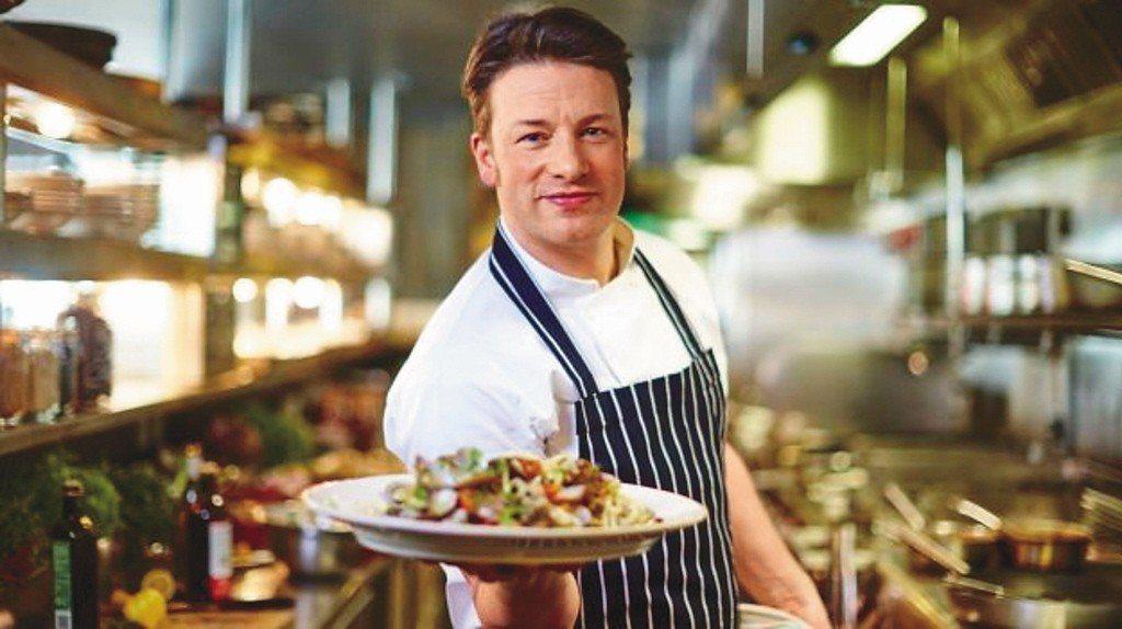 奧利佛(Jamie Oliver)公開承認,自己在2005年以改善英國貧困學童...