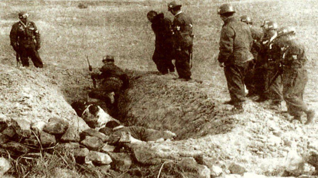韓國政府則採取焦土政策,展開長達數年的強硬掃蕩,到1957年為止估計造成約3萬人...