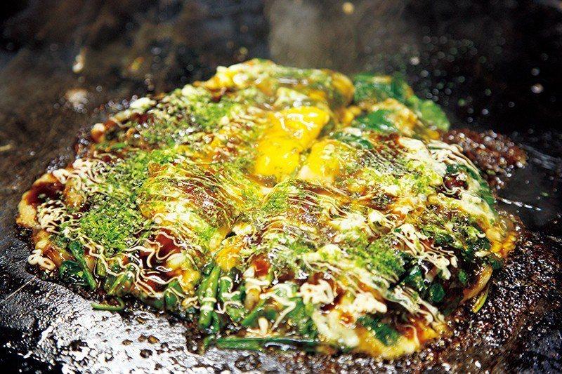 ポパイチーズ(菠菜起司大阪燒)¥864/滿滿菠菜的創意料理。
