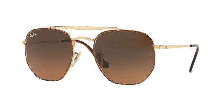 Ray-Ban元帥款太陽眼鏡,約7,200元。圖/Luxottica提供