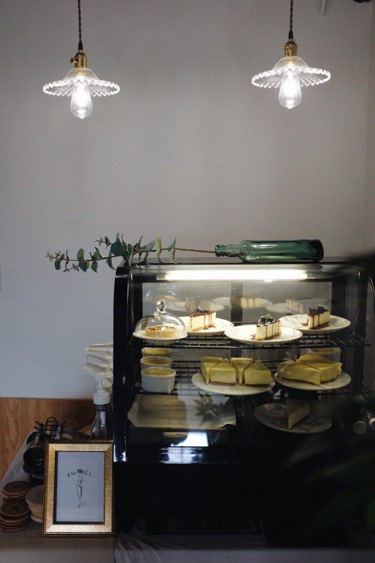 Routine;蛋糕櫃。圖/記者沈佩臻攝影
