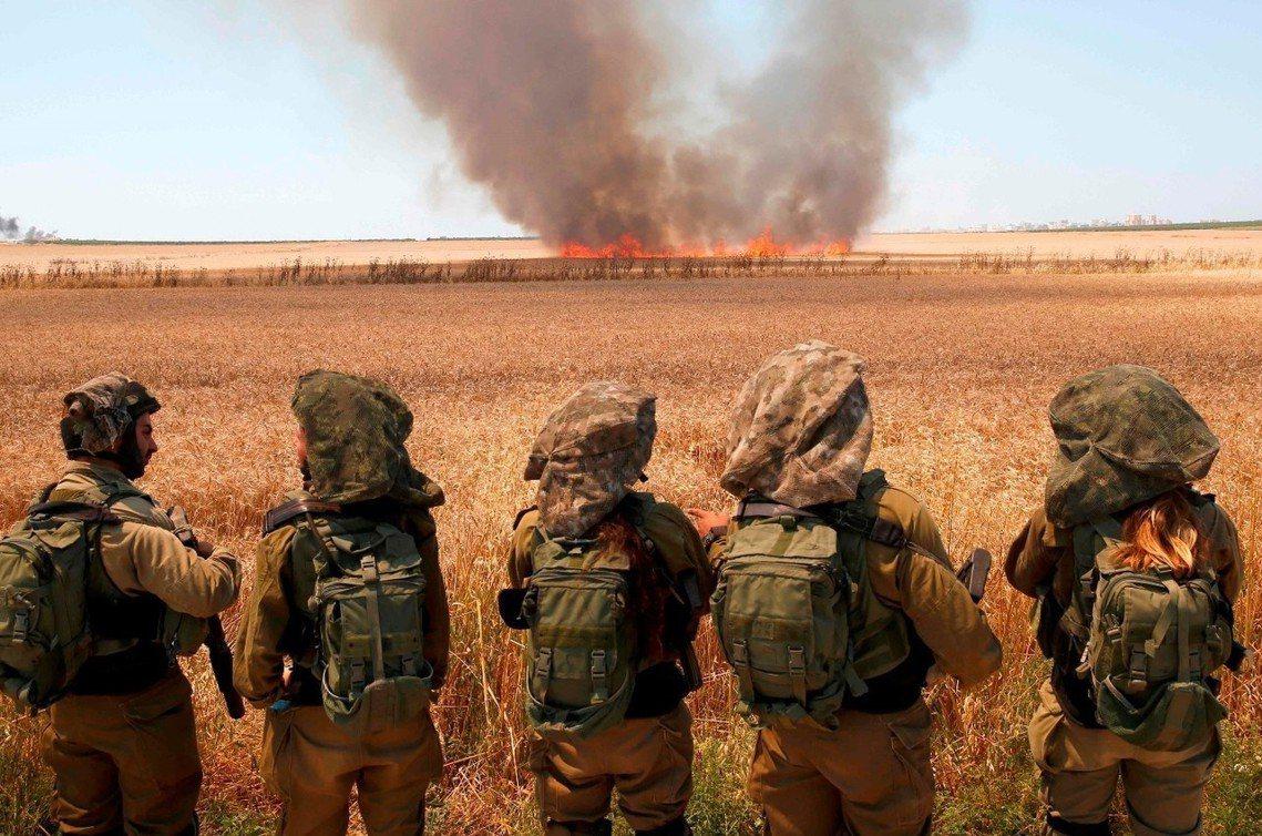 以色列邊境的多處吉布茨(Kibbutz,猶太集體農場)更遭到「巴勒斯坦的『風箏汽...