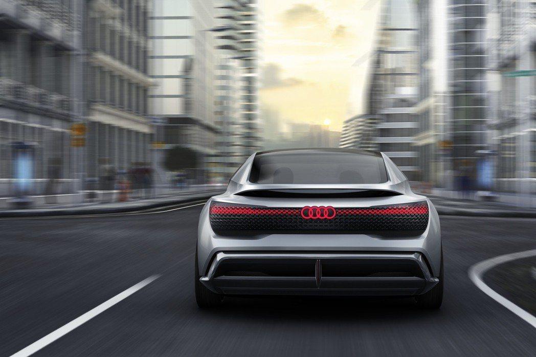 電能驅動科技將是Audi另一重要發展發向, Audi e-tron 首輛四環純電SUV將於今年8月份在布魯塞爾所舉辦的Audi Summit品牌高峰會全球亮相。 圖/Audi提供