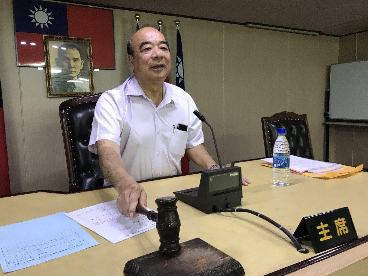 東港鎮民代表會今天舉行第20屆第7次定期會提案審議,針對東港鎮行政區域里鄰調整案...