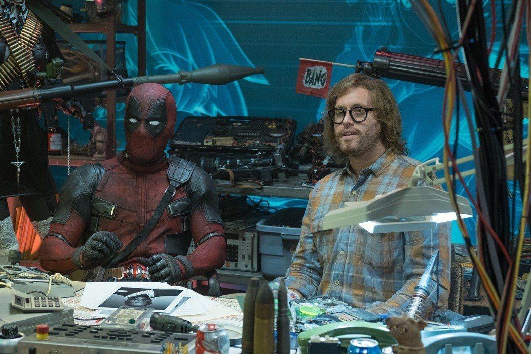 萊恩雷諾斯(左)再度扮演搞笑「死侍」,右為飾演「黃鼠狼」的演員T.J.米勒。圖/