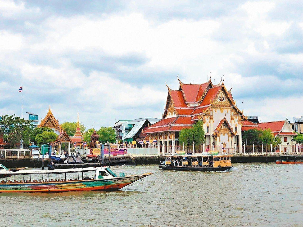 曼谷的水路昭披耶河是重要河川。 記者魏妤庭/攝影