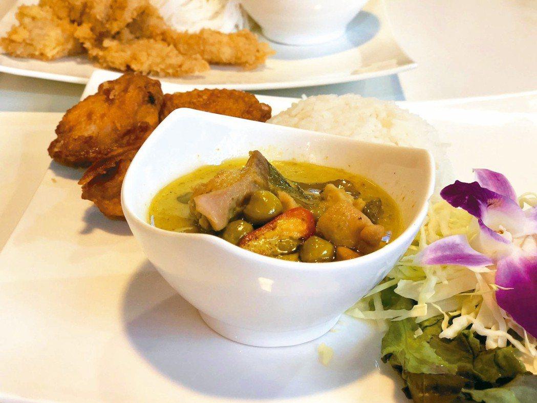 逛河濱碼頭夜市,品嘗便宜又美味泰式料理。 記者魏妤庭/攝影