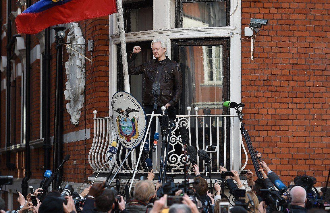 維基解密創辦人亞桑傑(Julian Assange)11日在厄瓜多駐倫敦大使館遭...