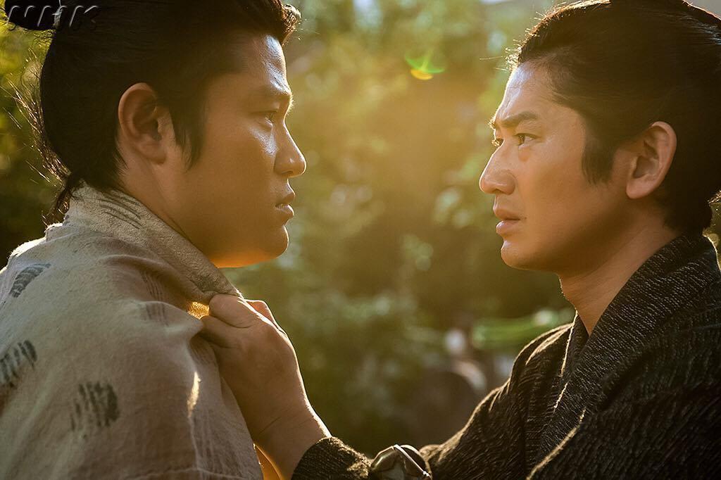今年NHK的大河劇《西鄉殿》的主角剛好就是西鄉隆盛。圖為劇照中的西鄉隆盛(左,鈴...