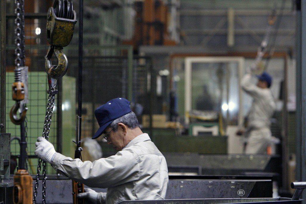 日本正面臨高齡化與人口減少的狀況,勞動者人數不足。 圖/路透社
