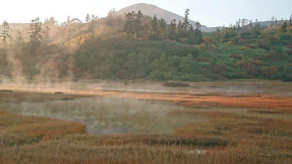 ▲日落之前,濕原的水氣緩緩上升,好像仙境一樣。(Cliff 攝)