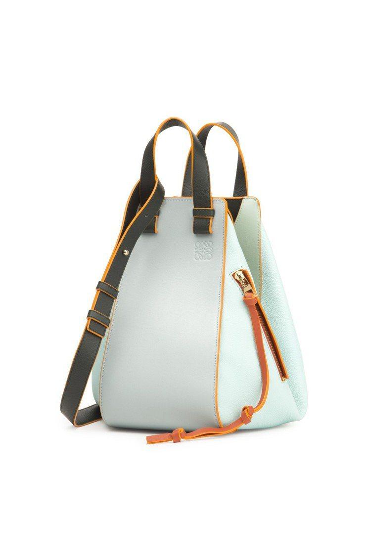 Paulas Ibiza Hammock拼色中型手提包,售價97,000元。圖/...