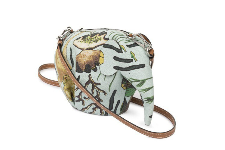 Paulas Ibiza Animales水綠色大象造型迷你包款,售價51,00...