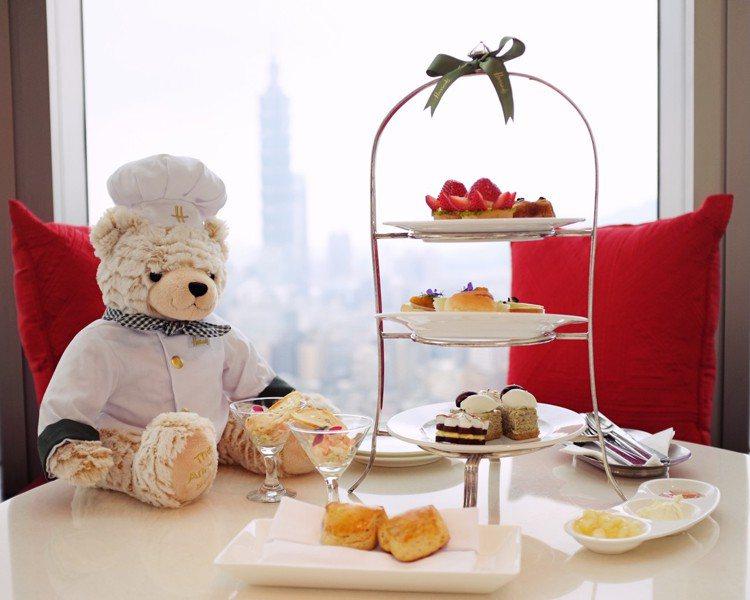 Harrods Chef經典英式下午茶即日起至6月30日於38樓馬可波羅酒廊限定...