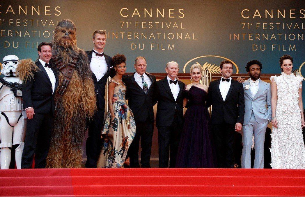 「星際大戰外傳:韓索羅」坎城影展盛大首映,掀起追星熱潮。(歐新社)