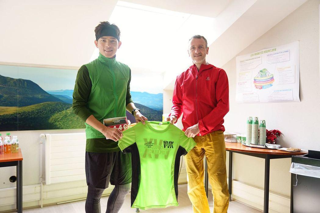 宥勝完成富維克火山越野賽,成為「亞洲第一人」。圖/極旅製作