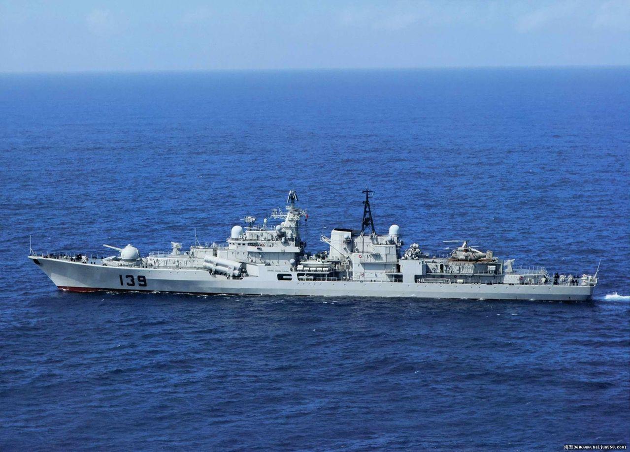 寧波艦是中共4艘現代級中最後服役的一艘,比俄國原版少了艦尾砲塔,以增建直升機庫。...