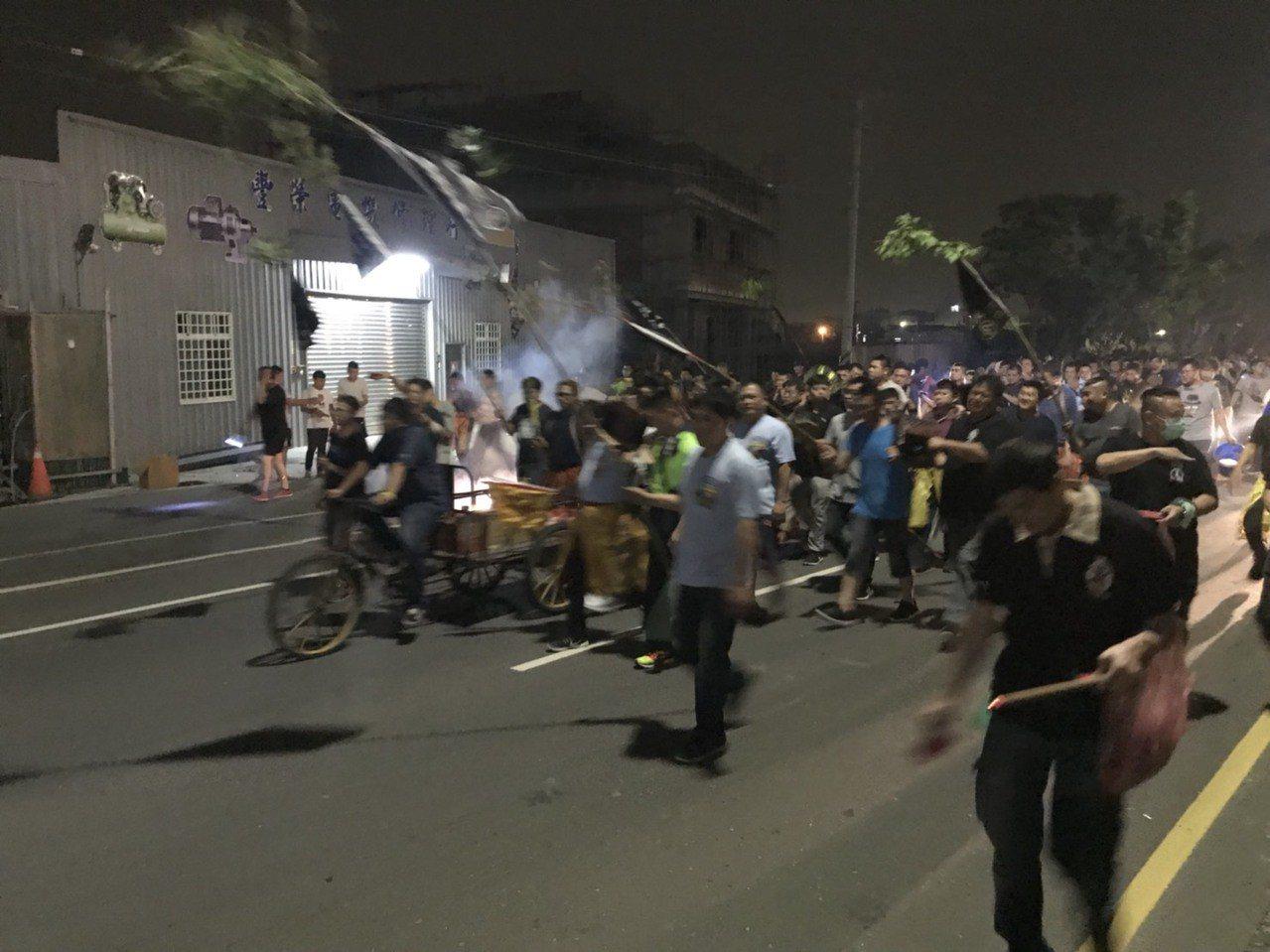 送肉粽儀式一般都是晚間舉辦,但彰化市磚磘里明天下午2時將舉辦一場送肉粽儀式。圖/...