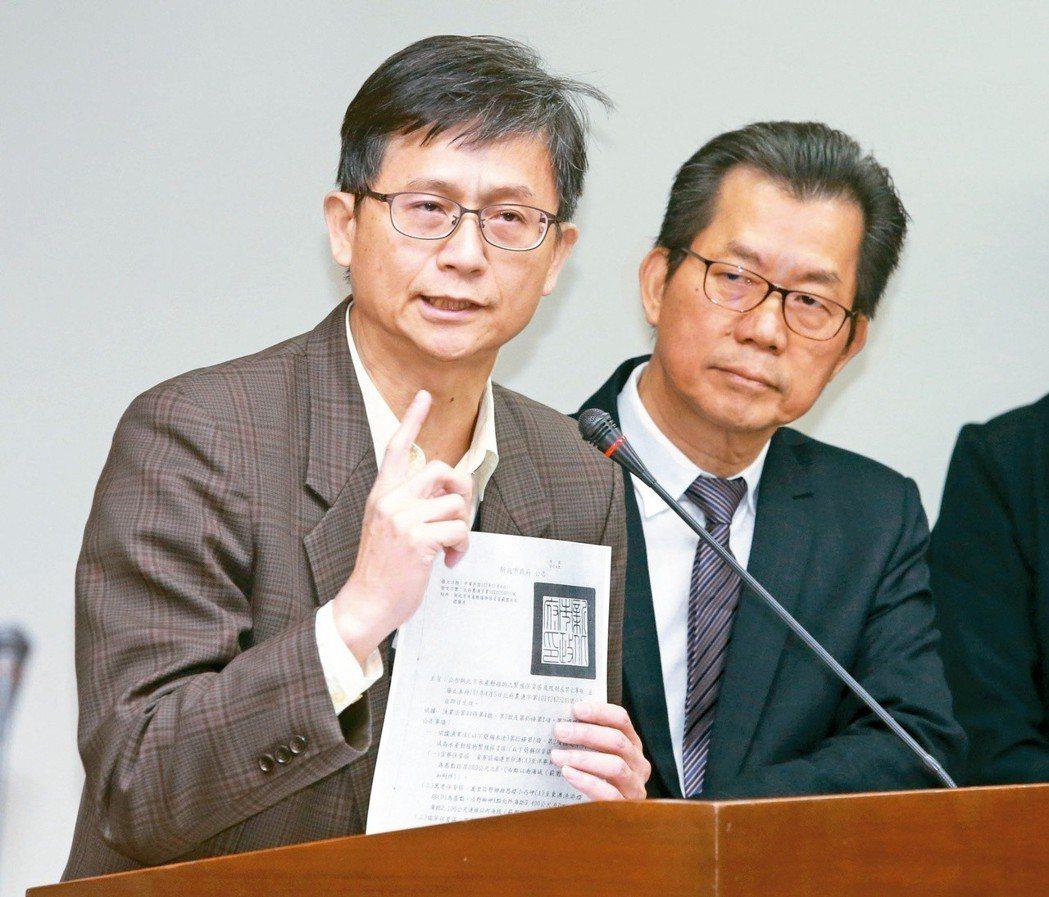 詹順貴(左)。圖/聯合報系資料照片