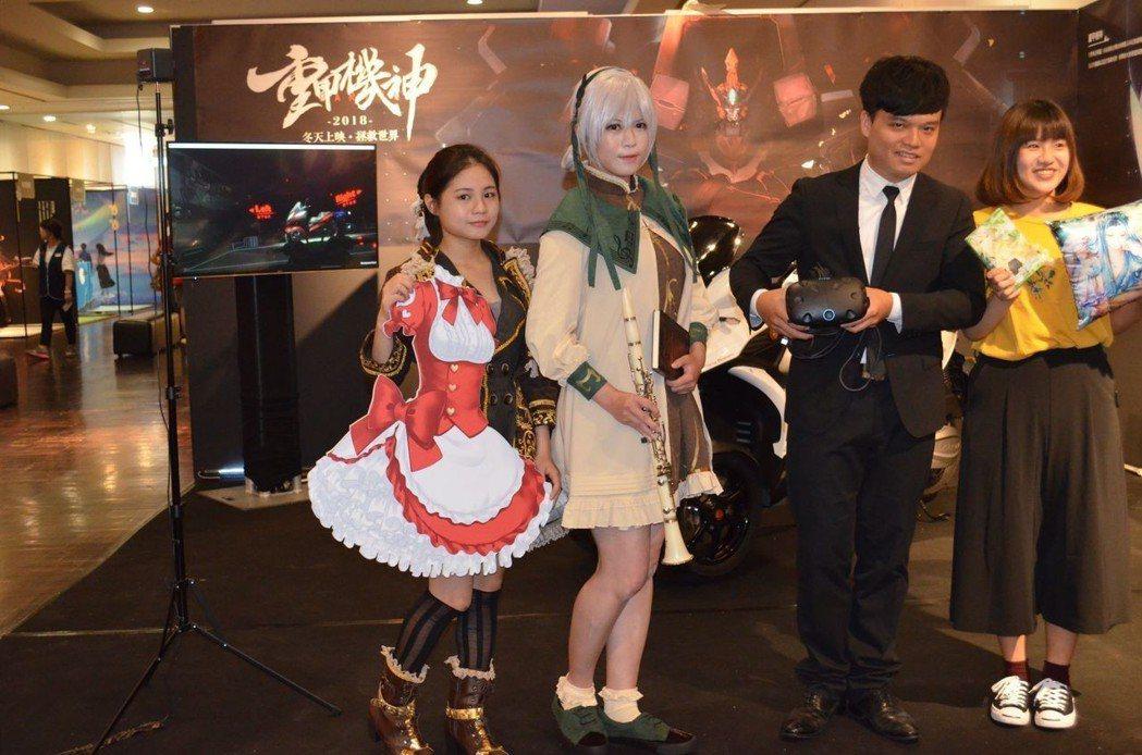 新光三越台南新天地推出夏日動漫遊戲展。  陳慧明 攝影