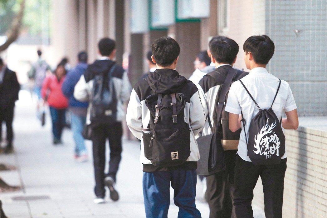 大同大學副校長林永仁表示,學校未來將會視情況朝減少學生數、利用空閒的空間引進產學...