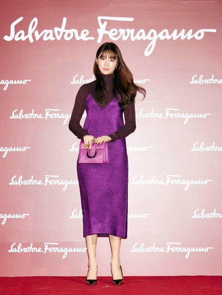 尹恩惠即使抄襲醜聞纏身,時尚品牌對她的青睞依舊不減。圖/Ferragamo提供