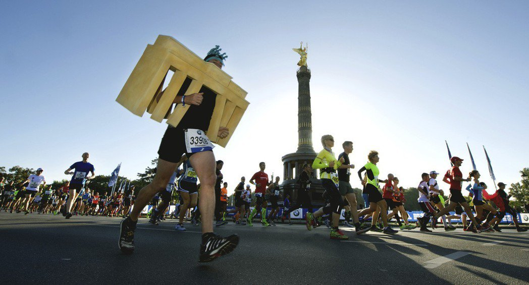 台灣精品望透過活動徵選出具有創意的跑者,邀請參賽者盡情發揮創意,透過跑馬讓世界看...