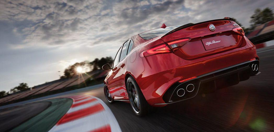 Alfa Romeo Giulia 也將擁有雙門與五門車型。圖為Alfa Romeo Giulia Quadrifoglio。 摘自Alfa Romeo