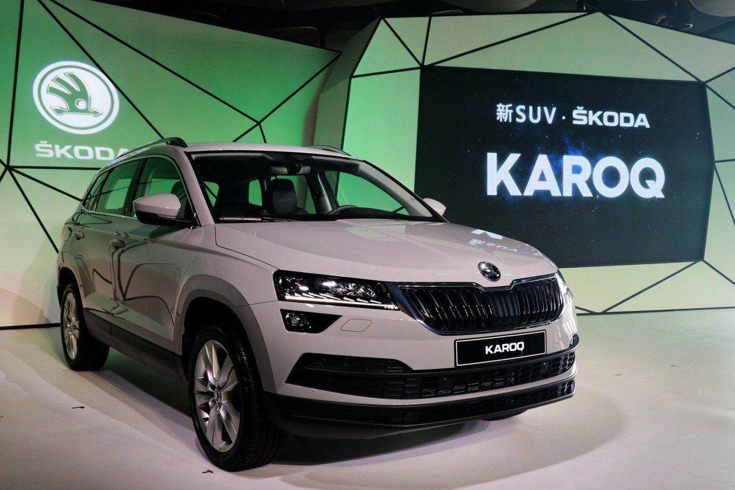 KAROQ 1.5 TSI的油耗表現為16.8 km/l,能源效率等級為第一級,...