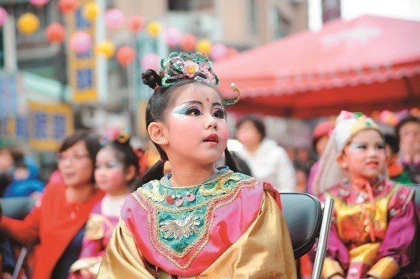 接續松山媽祖遶境的熱鬧氣氛,2018錫口文化節正式開鑼,陪孩子們度過歡樂週末午後...