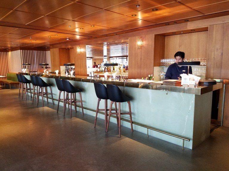 餐廳內的酒吧 圖文來自於:TripPlus