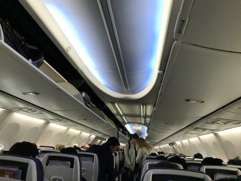 會議前一天下班完就立馬搭飛機到芝加哥,這次還非常幸運搭到Southwest今年新...