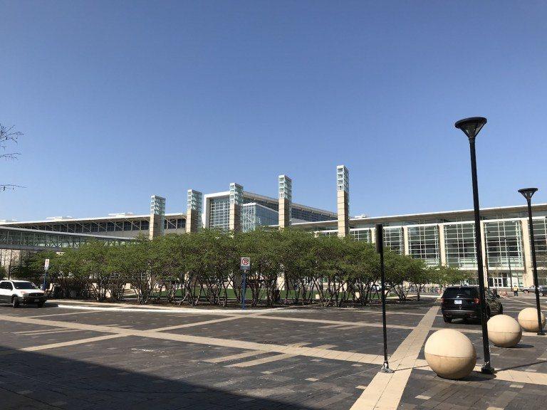 這是一個附屬於McCormick Place會展中心的酒店。整個建築在2012~...