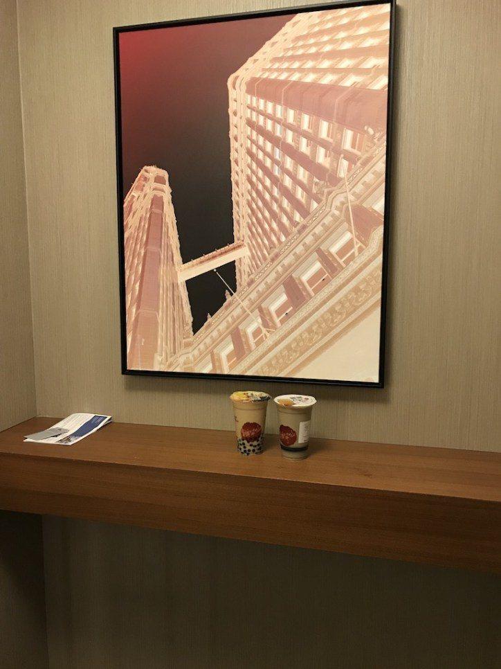 入房門還是有小玄關設計(感謝作者YS帶我們去鮮芋仙,能喝到軟嫩的仙草,太感動了!...