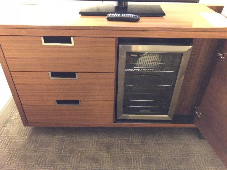 最酷的絕對是這個酒櫃當冰箱的設計! 圖文來自於:TripPlus