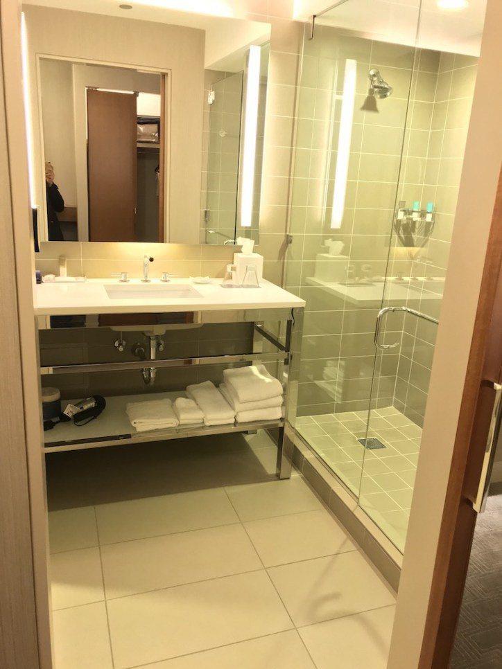 浴室非常明亮 圖文來自於:TripPlus