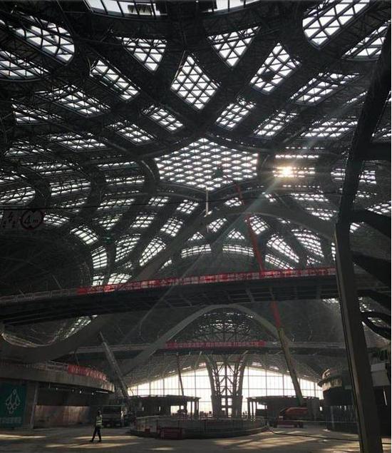 北京市住建委負責人披露,位於大興的北京新機場各項工程將在明年6月底前完成,7、8...
