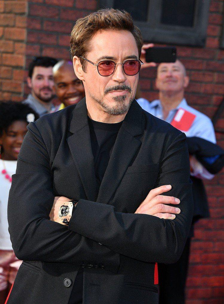 「鋼鐵人」小勞勃道尼在去年電影宣傳時,曾多次配戴了URWERK在2012年推出的...