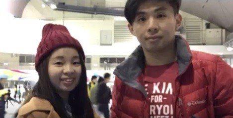 山峰分隊隊員余佳昇(右)。圖/桃園市消防局提供