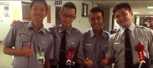 平鎮分隊隊員林尉熙(右一)。圖/桃園市消防局提供