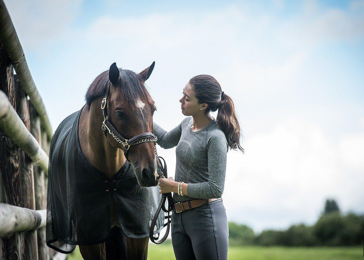 MIKIMOTO全新品牌大使Karen Polle和她的駿馬搭擋「With Wi...