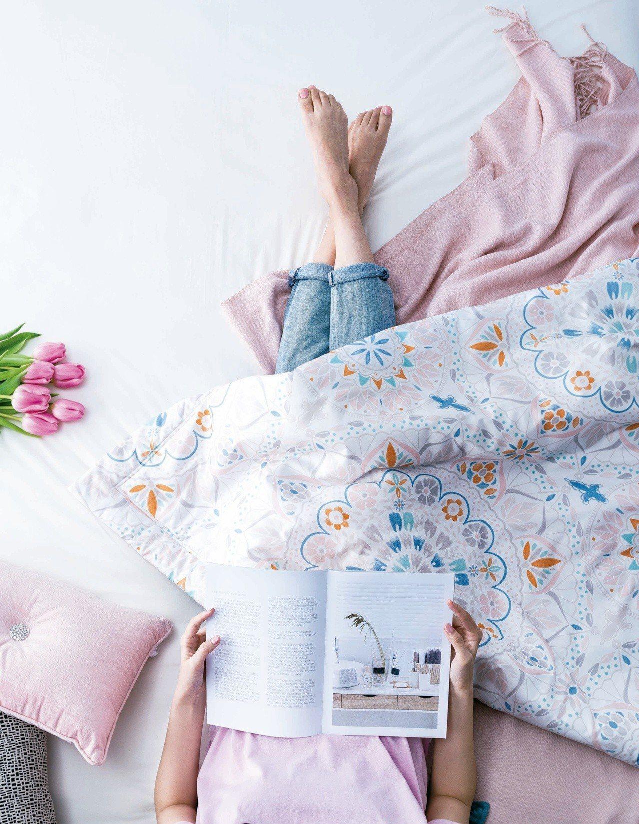 HOLA精選純棉涼被,今年價格更優惠。圖/HOLA提供