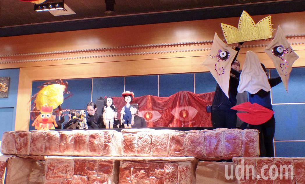達德商工幼保科以精細的道具、精彩的偶劇表演,奪得「106學年度全國學生創意戲劇比...